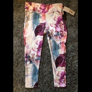 NWT CALIA Floral Workout Leggings🏃🏻♀️🌸